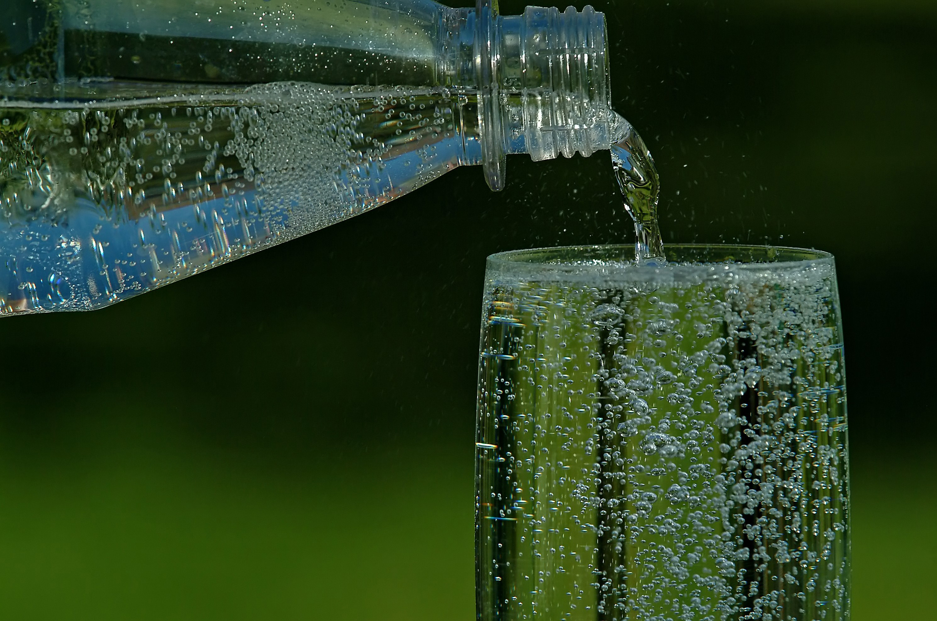 stiftung warentest testet mineralwasser wasseraufbereitung zum besseren ges nderen trinkwasser. Black Bedroom Furniture Sets. Home Design Ideas